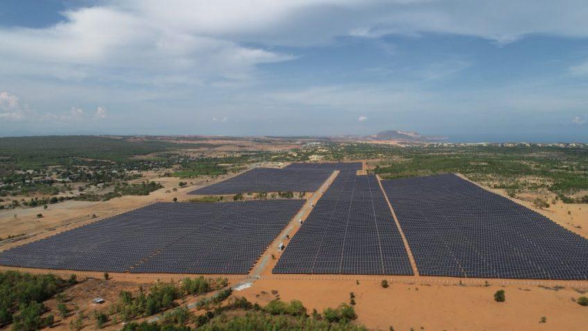 Nhà thầu chính dự án Nhà máy điện NLMT Hồng Phong 4, Công suất 48MWP, tại huyện Bắc Bình, Tỉnh Bình Thuận.