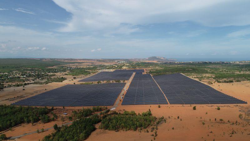 Toàn cảnh nhà máy điện năng lượng mặt trời Hồng Phong 4