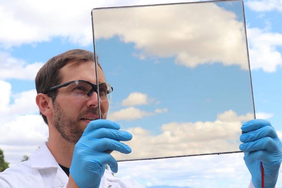 Pin mặt trời trong suốt trên cửa sổ có hiệu quả cao