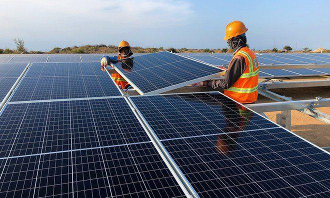Tăng thêm 30.000 MW điện gió điện mặt trời trong 10 năm tới